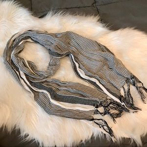 Accessories - Grey striped scarf